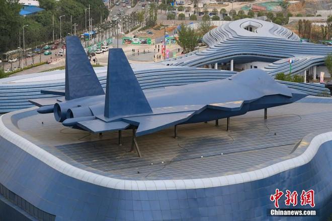 Công viên thực tế ảo 1,5 tỷ USD của Trung Quốc chính thức đi vào hoạt động - Ảnh 4.