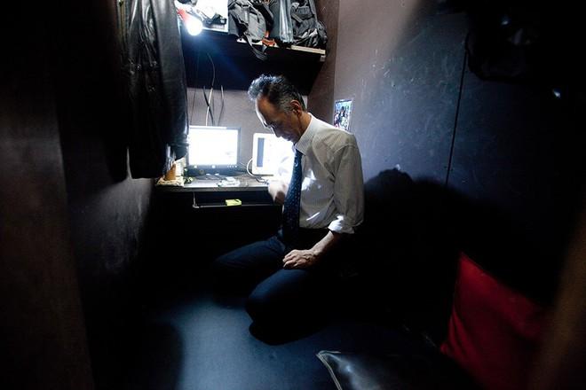 Nhật Bản: Thanh niên lạ mặt trốn trong nhà cụ già neo đơn cả nửa năm mới bị phát hiện - Ảnh 2.