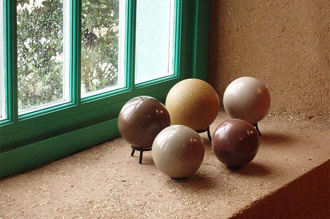 Quả cầu bằng giấy bạc chưa là gì hết, người Nhật còn có thể làm ra những quả cầu hoàn hảo chỉ bằng bùn đất - Ảnh 24.