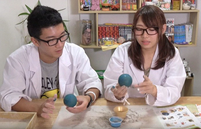 Quả cầu bằng giấy bạc chưa là gì hết, người Nhật còn có thể làm ra những quả cầu hoàn hảo chỉ bằng bùn đất - Ảnh 20.