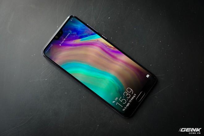 Huawei giới thiệu flagship P20 Pro tại Việt Nam: thiết kế đẹp, màn hình tai thỏ, trang bị 3 camera cho trải nghiệm chụp ảnh chuyên nghiệp, lên kệ từ 26/5 - Ảnh 6.