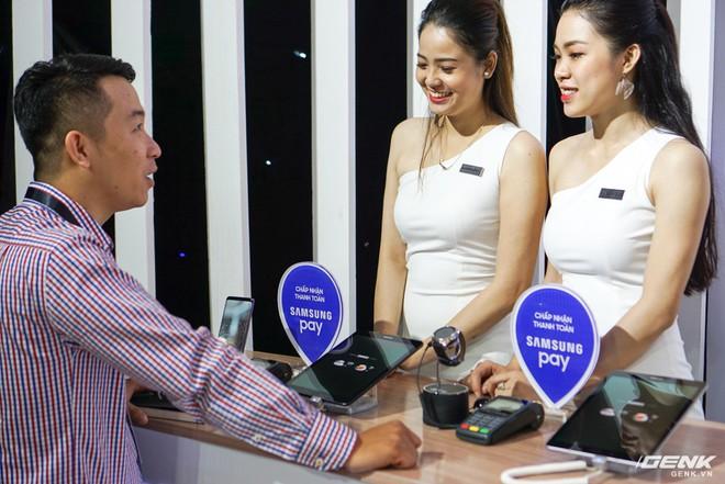 Samsung nâng cấp thêm tính năng mới cho ứng dụng thanh toán một chạm Pay: hỗ trợ thanh toán bằng Gear S3, rút tiền được tại máy ATM, đáp ứng 75% nhu cầu sử dụng thẻ của người dùng Việt - Ảnh 3.
