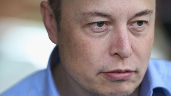 Elon Musk rất khắt khe trong lộ trình công việc.