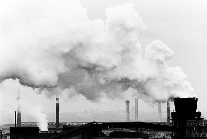 Một tờ giấy có thể giúp bạn tránh ngạt khí CO như thế nào? Ba Lan đã in quảng cáo để chia sẻ điều này với 40 triệu dân - Ảnh 4.