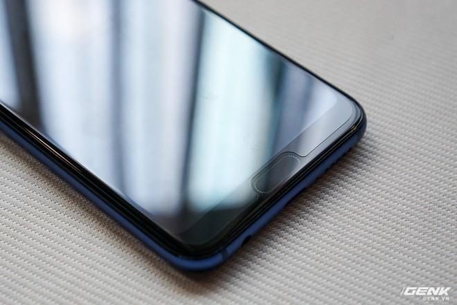 Cận cảnh Honor 10: nhiều chi tiết giống P20 của Huawei nhưng giá chỉ bằng một nửa - Ảnh 3.