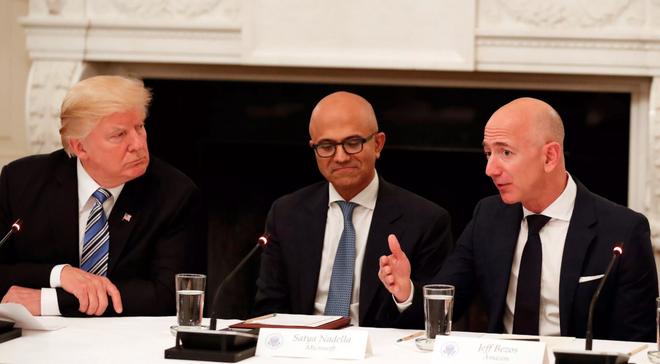 Tổng thống Donald Trump muốn tăng phí vận chuyển USPS lên gấp đôi, Amazon có thể thiệt hại hàng tỷ USD - Ảnh 2.