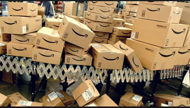 Tổng thống Donald Trump muốn tăng phí vận chuyển USPS lên gấp đôi, Amazon có thể thiệt hại hàng tỷ USD - Ảnh 3.