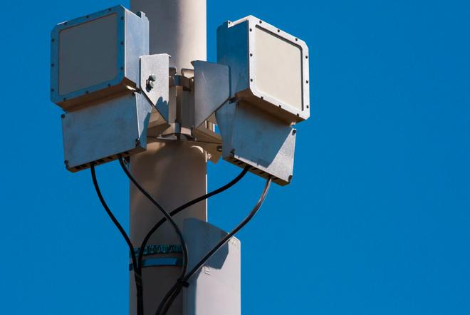 Facebook chuẩn bị hợp tác với Qualcomm để phát triển internet không dây tốc độ cao - Ảnh 3.