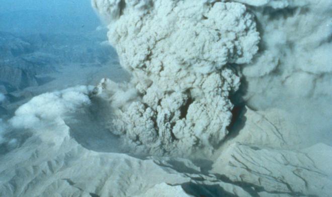 Núi lửa Pinatubo phun trào năm 1991