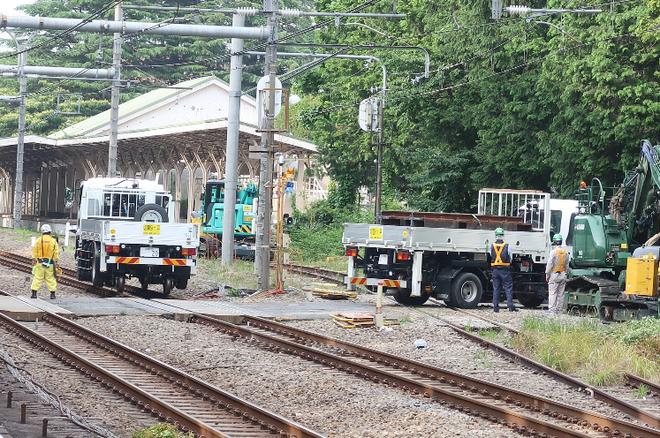 Kirikusha: Loại xe tải cực dị đến từ Nhật Bản, đi được trên cả đường bộ lẫn đường sắt - Ảnh 4.