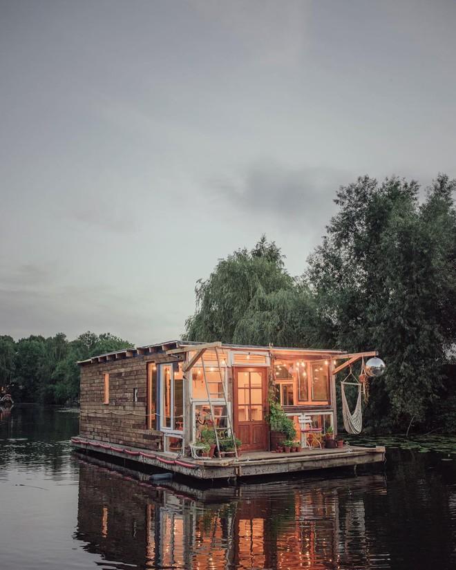 Du lịch khắp Châu Âu bằng thuyền, cuộc sống tuyệt vời đáng mơ ước của hai nhiếp ảnh gia người Đức - Ảnh 3.