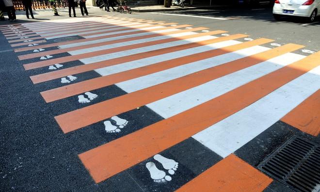 Những ý tưởng táo bạo về hệ thống giao thông thông minh giúp hạn chế khả năng gây tai nạn của xe tự lái - Ảnh 4.