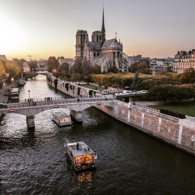 Du lịch khắp Châu Âu bằng thuyền, cuộc sống tuyệt vời đáng mơ ước của hai nhiếp ảnh gia người Đức - Ảnh 7.