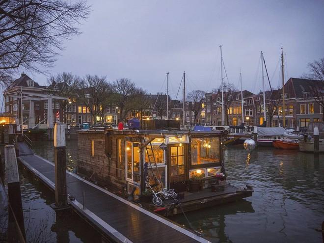 Du lịch khắp Châu Âu bằng thuyền, cuộc sống tuyệt vời đáng mơ ước của hai nhiếp ảnh gia người Đức - Ảnh 9.