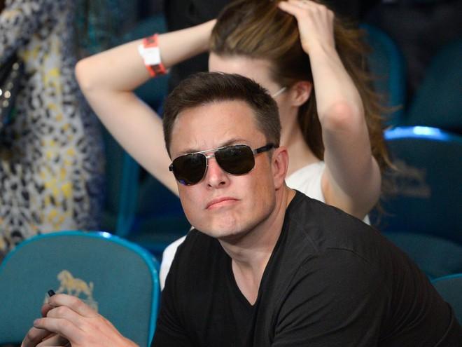 Hành trình kì diệu của Elon Musk: Từ một cậu bé chuyên bị bắt nạt cho đến Iron Man phiên bản đời thực - Ảnh 15.