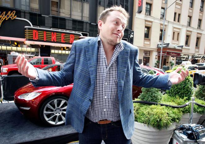 Hành trình kì diệu của Elon Musk: Từ một cậu bé chuyên bị bắt nạt cho đến Iron Man phiên bản đời thực - Ảnh 16.