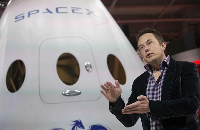 Hành trình kì diệu của Elon Musk: Từ một cậu bé chuyên bị bắt nạt cho đến Iron Man phiên bản đời thực - Ảnh 18.