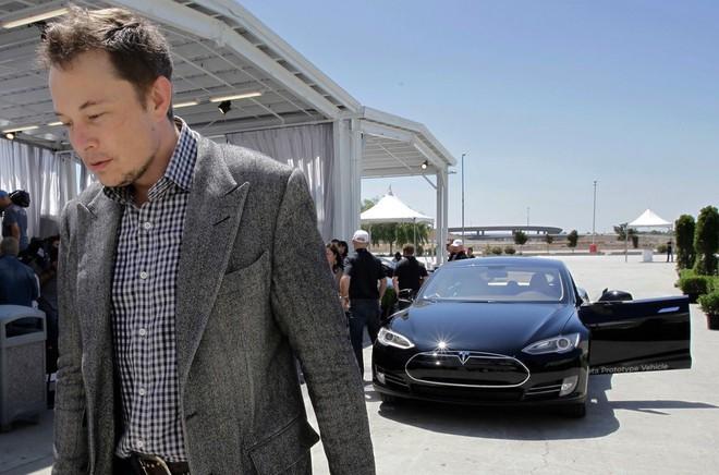 Hành trình kì diệu của Elon Musk: Từ một cậu bé chuyên bị bắt nạt cho đến Iron Man phiên bản đời thực - Ảnh 25.