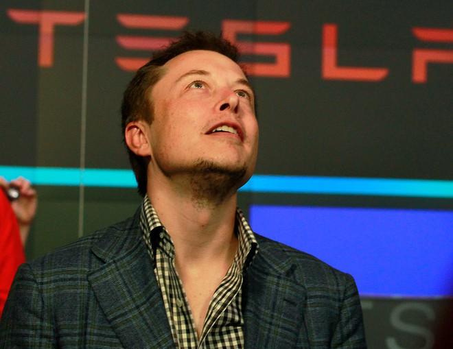Hành trình kì diệu của Elon Musk: Từ một cậu bé chuyên bị bắt nạt cho đến Iron Man phiên bản đời thực - Ảnh 26.