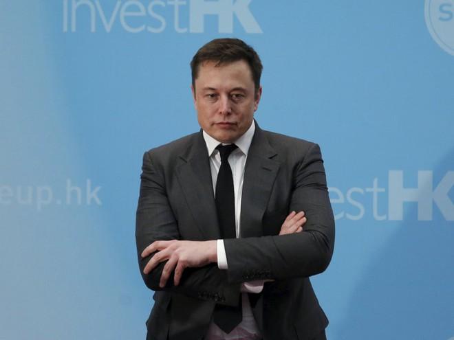 Hành trình kì diệu của Elon Musk: Từ một cậu bé chuyên bị bắt nạt cho đến Iron Man phiên bản đời thực - Ảnh 27.