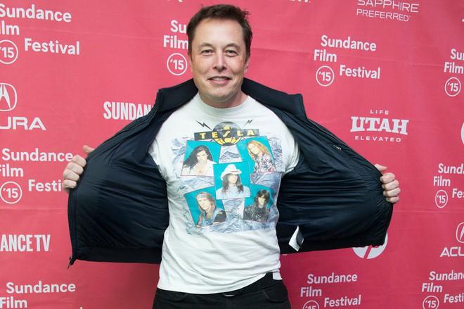 Hành trình kì diệu của Elon Musk: Từ một cậu bé chuyên bị bắt nạt cho đến Iron Man phiên bản đời thực - Ảnh 29.