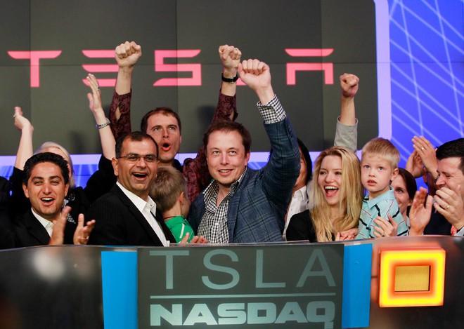 Hành trình kì diệu của Elon Musk: Từ một cậu bé chuyên bị bắt nạt cho đến Iron Man phiên bản đời thực - Ảnh 30.