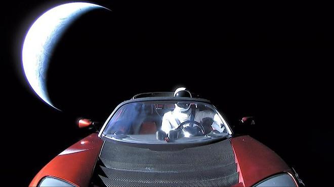 Hành trình kì diệu của Elon Musk: Từ một cậu bé chuyên bị bắt nạt cho đến Iron Man phiên bản đời thực - Ảnh 36.