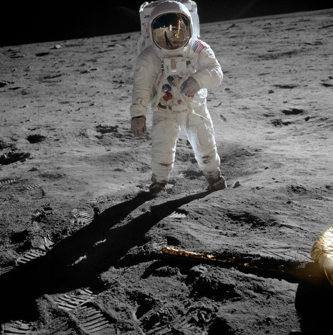 Omega Speedmaster Professional: Câu chuyện về chiếc đồng hồ đầu tiên lên Mặt Trăng - Ảnh 4.
