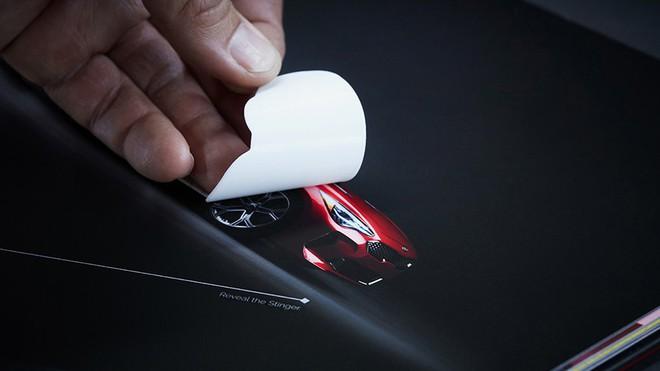 Ô tô của KIA khó có thể drift nhưng sách quảng cáo xe của họ thì có thể drift khét lẹt ngay trên trang giấy - Ảnh 2.