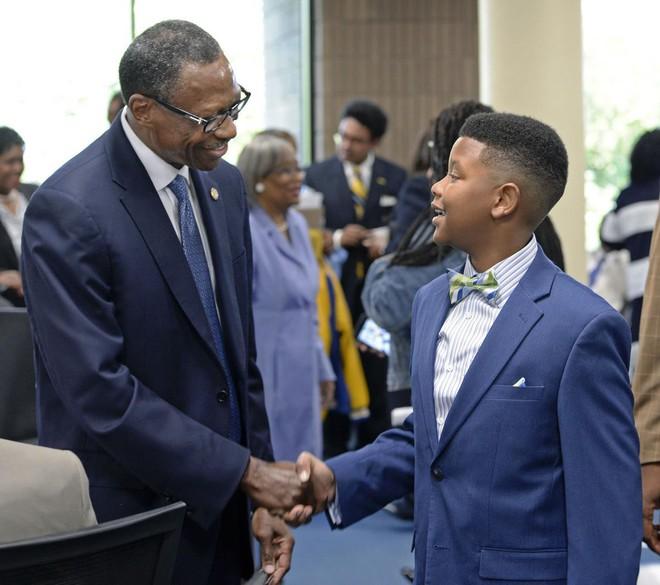 Kỳ tích: Thần đồng 11 tuổi nhận học bổng toàn phần của đại học hàng đầu nước Mỹ - Ảnh 3.
