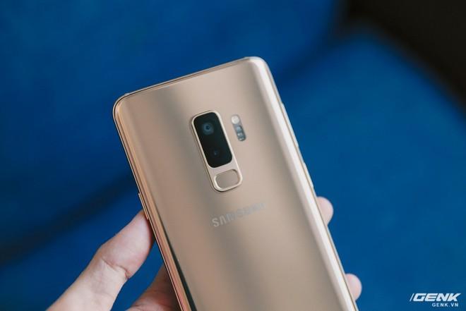 Trên tay Galaxy S9+ Hoàng Kim lấp lánh, RAM 6GB, bộ nhớ 128GB, giá từ 24.490.000 đồng - Ảnh 5.