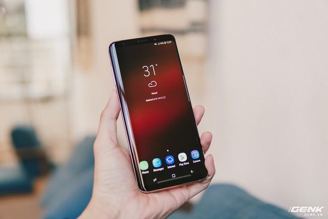 Trên tay Galaxy S9+ Hoàng Kim lấp lánh, RAM 6GB, bộ nhớ 128GB, giá từ 24.490.000 đồng - Ảnh 9.