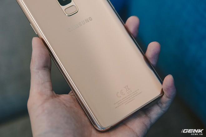 Trên tay Galaxy S9+ Hoàng Kim lấp lánh, RAM 6GB, bộ nhớ 128GB, giá từ 24.490.000 đồng - Ảnh 6.