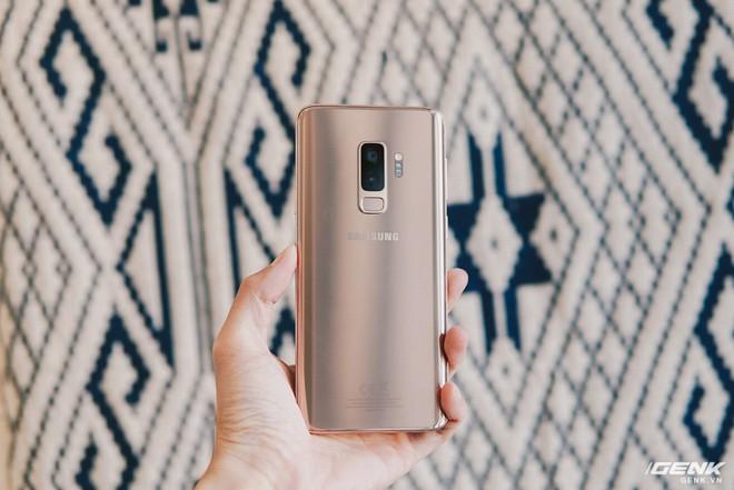 Trên tay Galaxy S9+ Hoàng Kim lấp lánh, RAM 6GB, bộ nhớ 128GB, giá từ 24.490.000 đồng - Ảnh 3.