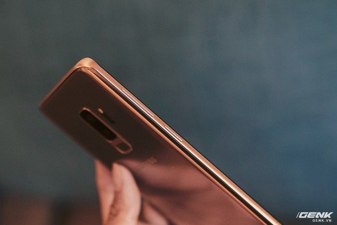 Trên tay Galaxy S9+ Hoàng Kim lấp lánh, RAM 6GB, bộ nhớ 128GB, giá từ 24.490.000 đồng - Ảnh 8.