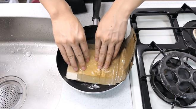 Thùng các-tông ship hàng của Amazon vừa được Youtuber Nhật Bản biến thành dao làm bếp - Ảnh 5.