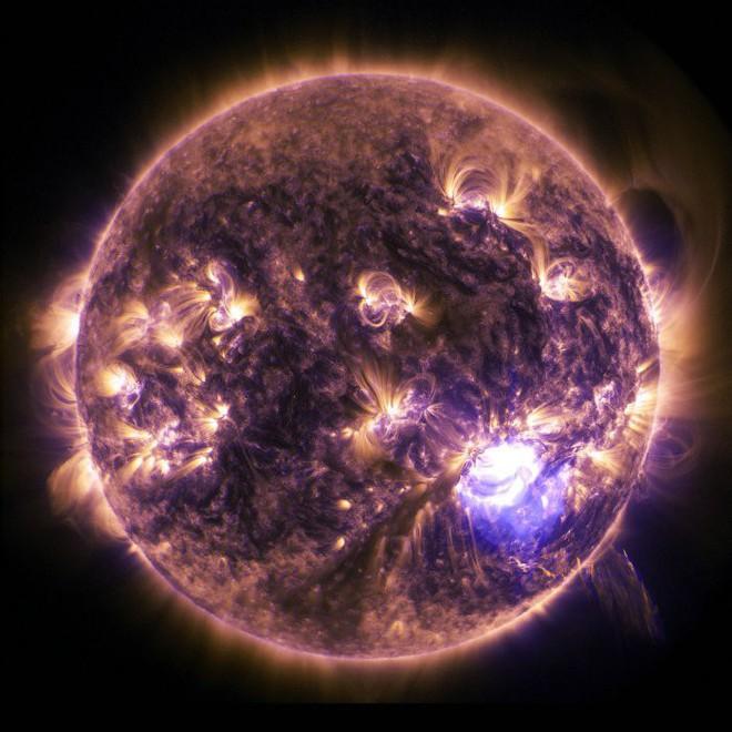 Đây là những gì sẽ xảy ra nếu như bão Mặt Trời đủ mạnh xóa sổ công nghệ của nhân loại - Ảnh 3.