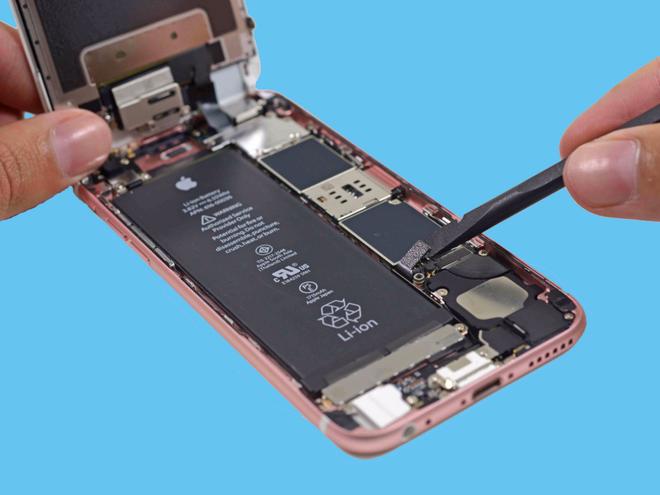 Vẽ lại cấu trúc bên trong của một chiếc iPhone.