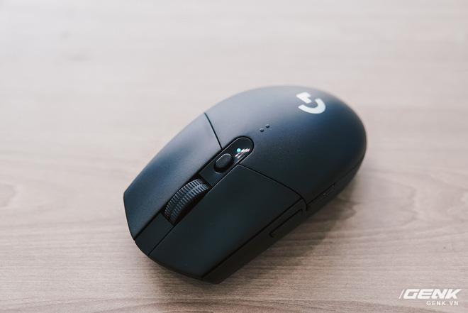 Đánh giá chuột chơi game không dây Logitech G304: Giá hơi cao, thiếu đầm tay nhưng nhanh và nhạy - Ảnh 6.