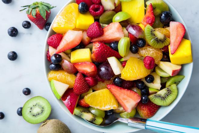 Hoàn toàn có thể ăn hoa quả khi bụng đang rỗng, thậm chí nó còn có những lợi ích này cho sức khỏe nữa! - Ảnh 1.
