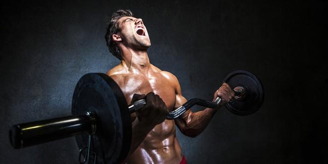 Tập gym quá nặng, cậu bé 17 tuổi phải nhập viện trong tình trạng nguy hiểm - Ảnh 1.