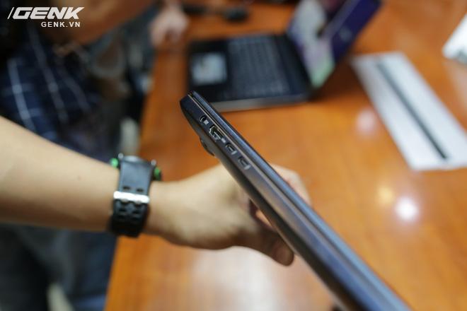 Chiếc ZenBook Pro của chúng ta khá mỏng