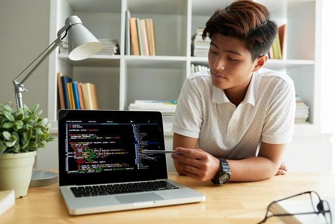 Không cần ra ngoài vào ngày hè oi bức – Tự học lập trình web tại nhà cũng đem lại hiệu quả cao - Ảnh 3.
