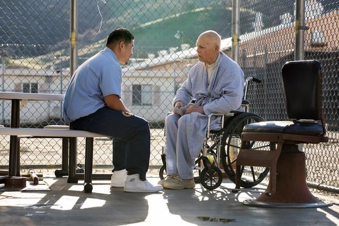 Chuyện cảm động sau song sắt trại giam Mỹ: Những tù nhân chuyên chăm sóc vỗ về người hấp hối - Ảnh 7.