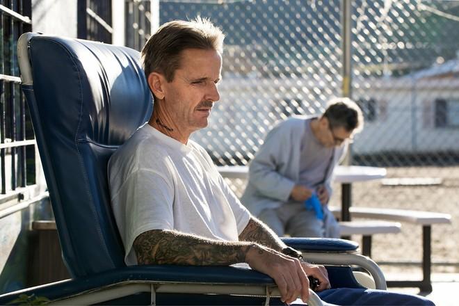 Chuyện cảm động sau song sắt trại giam Mỹ: Những tù nhân chuyên chăm sóc vỗ về người hấp hối - Ảnh 8.