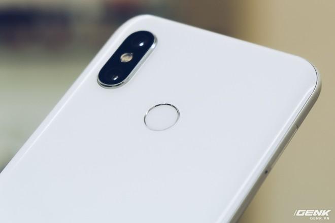 Đánh giá camera Xiaomi Mi 8 và so sánh với iPhone X và Galaxy S9+: Đã đến lúc ngừng chê Xiaomi chụp xấu - Ảnh 1.