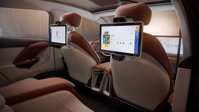 Byton sẽ tích hợp những công nghệ hiện đại như 5G hay trợ lý ảo Alexa cho mẫu xe của mình.