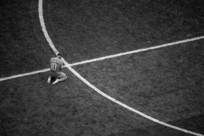 Một World Cup 2018 đầy cảm xúc được tái hiện qua bộ ảnh trắng đen do chính FIFA đăng tải - Ảnh 5.