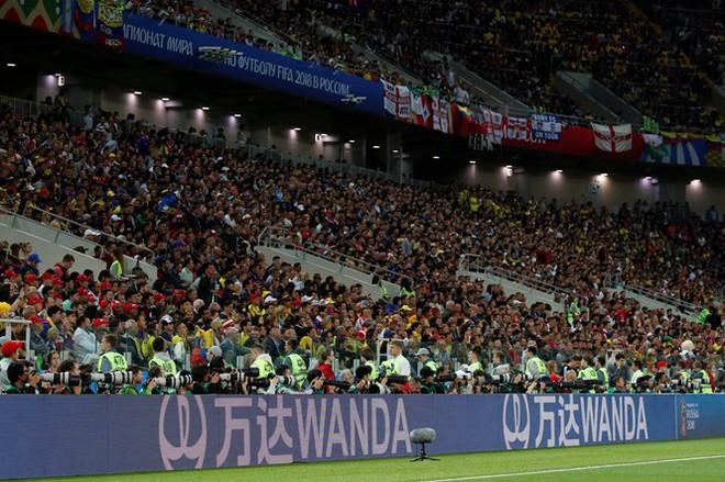 Đưa thương hiệu của mình xuất hiện trên các biển quảng cáo quanh sân đấu World Cup là giấc mơ của rất nhiều công ty lớn.