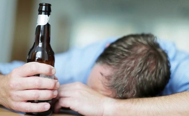 Đây là 13 tác hại của bia rượu đối với cơ thể mà ai cũng nên biết - Ảnh 2.